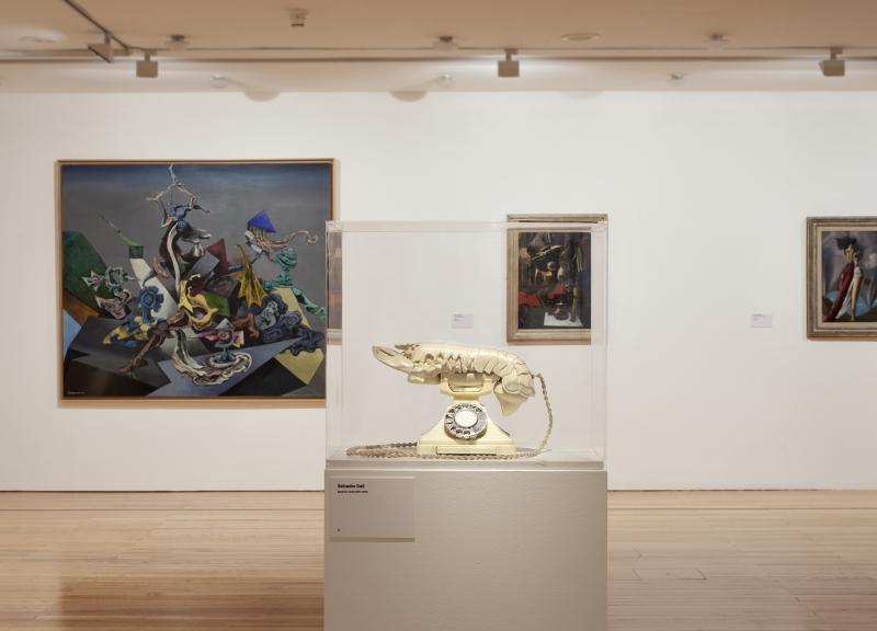 Vista da exposição / View of the exhibition Museu Coleção Berardo (1900-1960). Obras de / Works by Kurt Seligman, Salvador Dalí, Roland Penrose e / and Óscar Domínguez.