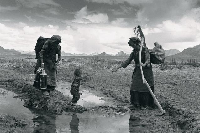 Lu Nan, A Family Finishing Work for the Day, Tibet, 1999