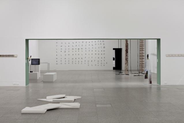 Vista da exposição «O Narrador Relutante» / View of the exhibition «The Reluctant Narrator». Museu Coleção Berardo, 2014.